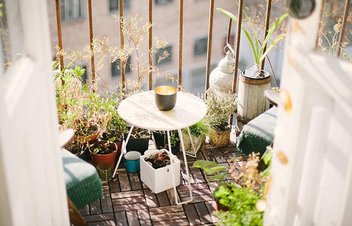 como-decorar-un-balcon