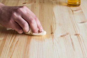 Como disimular los arañazos en la madera