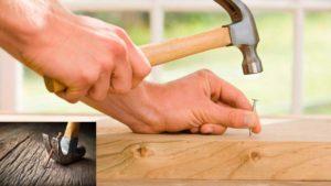 Como clavar un clavo en madera