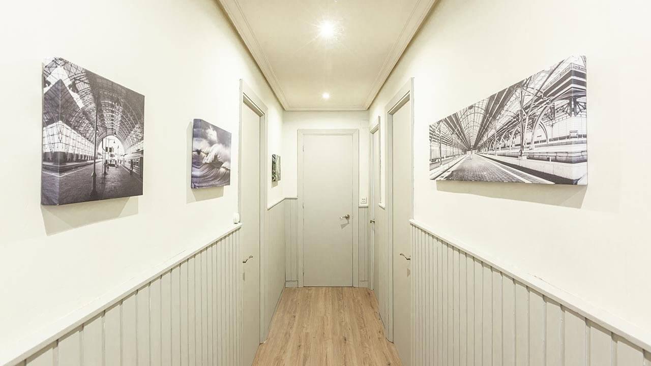 papel pintado pasillo